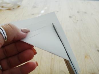 Paper Snowflakes DIY Christmas Decor (9)